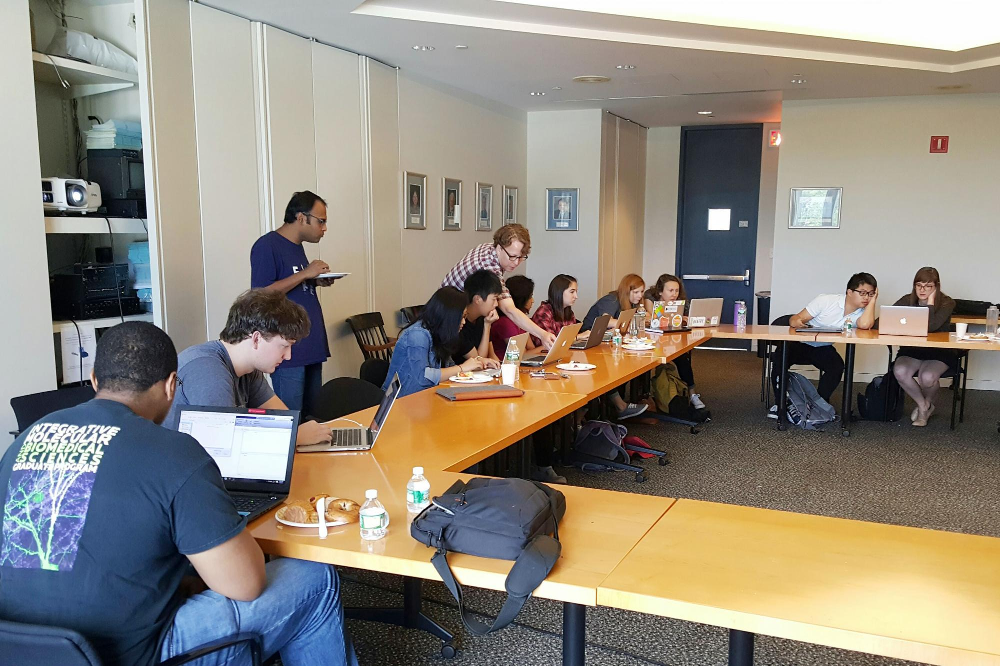 integrated workshop yale s integrated graduate program in analyzing data in matlab prof scott holley and a postdoc from the lab
