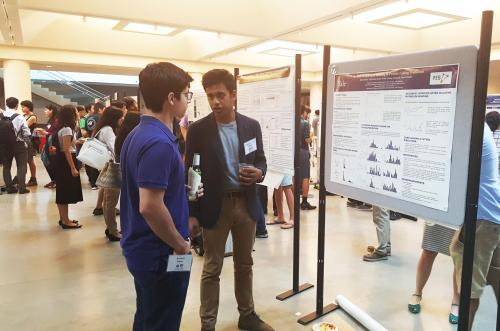 BBSB/PEB student presenting his poster on an Integrated Workshop project on the analysis and design of protein structures and interfaces, at the 2016 iPoLS meeting.